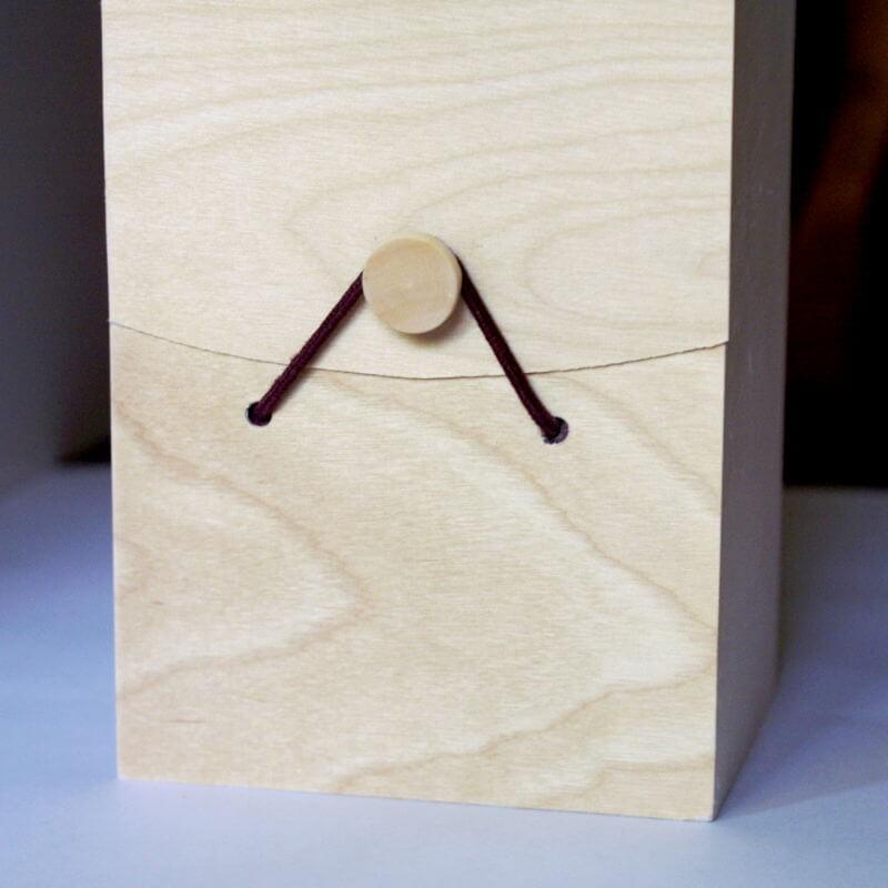 gravez une bo te en bois pour une bouteille de vin avec vos visuels. Black Bedroom Furniture Sets. Home Design Ideas