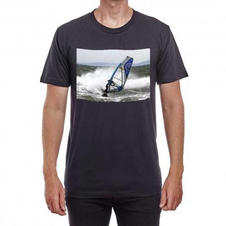 Tee-shirt noir impression sur le torse