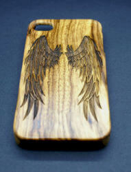 Coque-iphone-4-bois-personalisee-texte-pas-cher.jpg